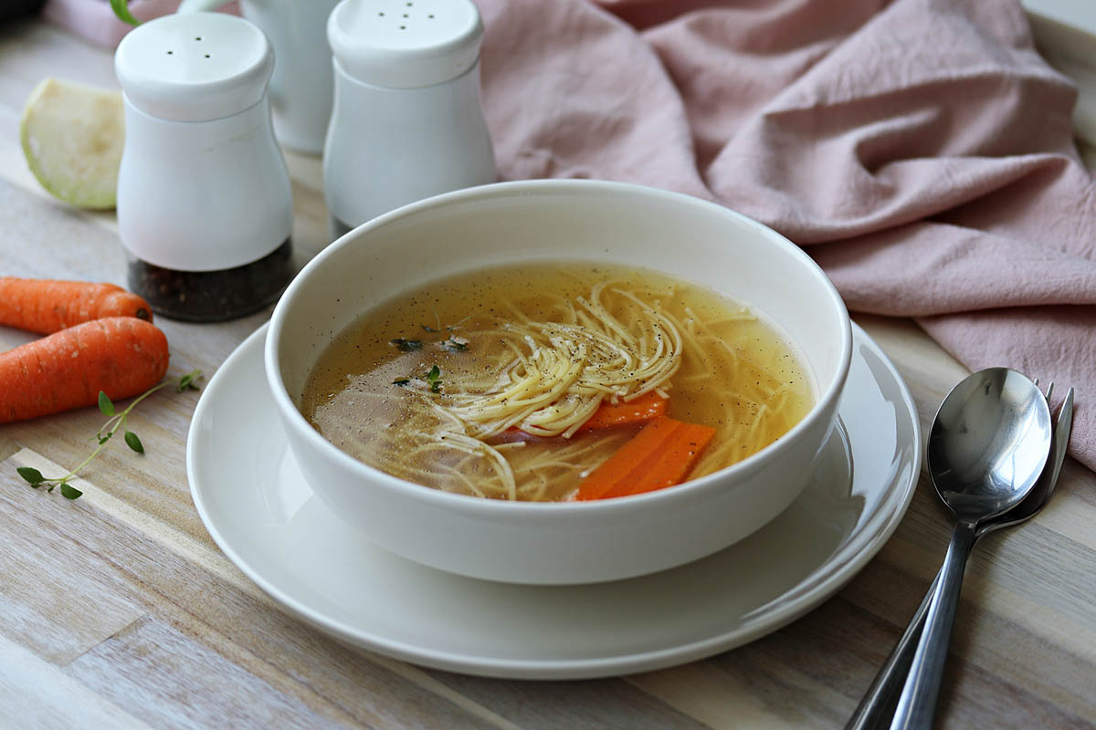 Goveđa juha s rezancima